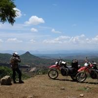 Rode aarde, groene heuvels